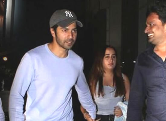 Varun Dhawan walks hand in hand with girlfriend Natasha!