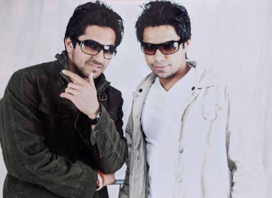 Ayushmann to share a lovely throwback pic with brother Aparshakti on World Siblings Day!
