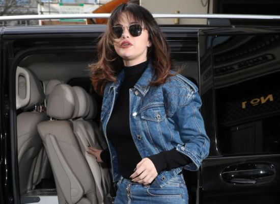 Selena Gomez's stylish look with a new hairstyle!