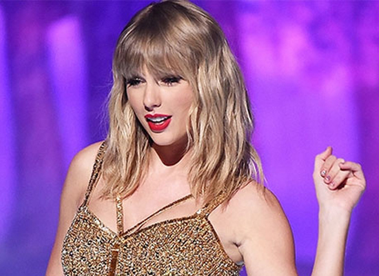 Taylor Swift's Folklore tops Billboard 200 charts!