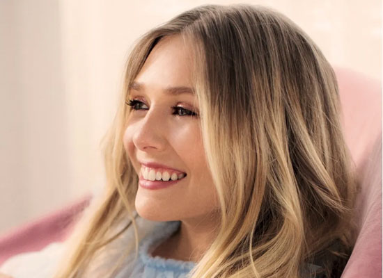 Elizabeth Olsen opens up about her shooting in front of live audience!